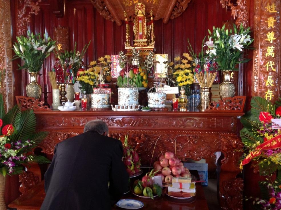Ý nghĩa sâu sắc của tín ngưỡng thờ cúng tổ tiên của người Việt Nam
